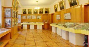 Музей історії урядів України-Історія в школі